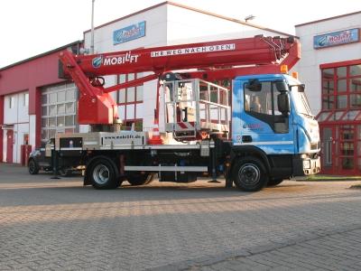 Dieselbetriebener Hubsteiger ✅Bis zu 28 m Arbeitshöhe ✅Wendig im Straßenverkehr ✅Hochdruckanschluß im Korb ✅Jetzt reservieren ☎ 0221 - 888 110 200