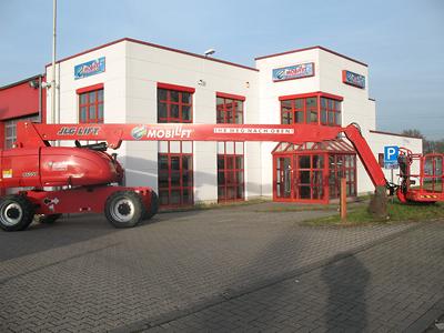 Dieselbetriebener Hubsteiger ✅28 m Arbeitshöhe ✅Allradantrieb für Außeneinsatz ✅Schnelle Einarbeitung ✅Jetzt reservieren ☎ 0221 - 888 110 200