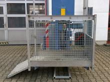 Bau-Aufzug mit besonders flexiblen schwenkbarer Alu-Lastbühne ✅50 m Höhe ✅max. Beladung 200 kg ✅Bis 5 Pers ✅Jetzt reservieren ☎ 0221 - 888 110 200