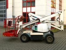 Gelenk-Teleskop-Arbeitsbühne mit einer Arbeithöhe 12 Meter mieten. Seitl. Reichweite 6,30 Meter, max. Tragkraft 225kg