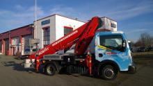 LKW-Arbeitsbühne / Hubsteiger mit einer Arbeitshöhe 27 Meter mieten.