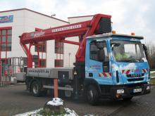 LKW-Arbeitsbühne / Hubsteiger mit einer Arbeithöhe 31 Meter mieten.