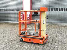 Schmale Arbeitsbühne Elektroantrieb ✅ Bis 4,50 m Arbeitshöhe✅ Stockwerkübergreifendes Arbeiten  ✅Jetzt reservieren ☎ 0221 - 888 110 200