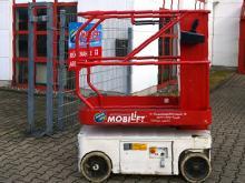 Batteriebetriebener Senkrechtlift ✅Schmale Bauweise ✅5,70 m Arbeitshöhe ✅Optimal für schmale Gänge ✅Jetzt reservieren ☎ 0221 - 888 110 200
